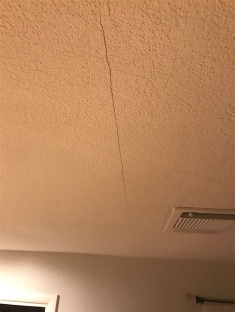 drywall ceiling with railroaded joint drywall