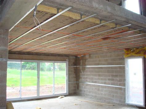 comment isoler un plafond soi m 234 me au niveau thermique et phonique