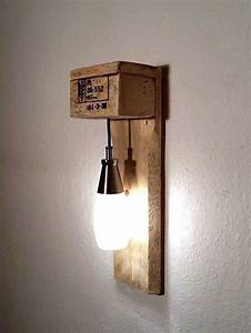 Wandlampen Für Schlafzimmer : die besten 25 wandleuchte holz ideen auf pinterest holz wandlampen led wandleuchte und led ~ Markanthonyermac.com Haus und Dekorationen