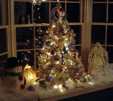 window decorations for lighted