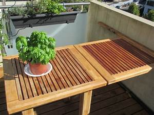 Sonnensegel Kleinen Balkon : der balkon tisch ist ein super praktisches m belst ck ~ Markanthonyermac.com Haus und Dekorationen
