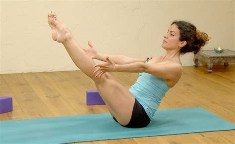 Boat Pose Full by 5 Steps To Doing Full Boat Pose And It S Benefits