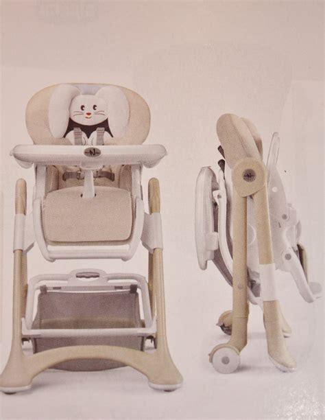 chaises hautes repas de b 233 b 233 et si 232 ges de table autour de bebe starjouet