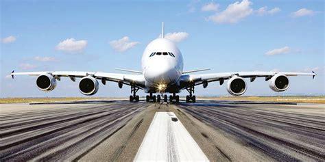 le plus gros avion du monde arrive en belgique la libre