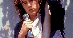 Heath Ledger singing Can't Take My Eyes off of You in 10 ...