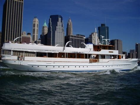 Corporate Boat Party Nyc by Mariner Iii Yacht Charter Wedding Corporate Yacht Rental Nyc