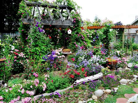 30+ Cottage Garden Ideas With Different Design Elements