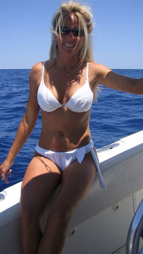 Hot Women On Boats by 78 Best Images About Hot Boats And Hot Girls On Pinterest