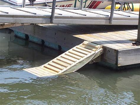Dog Boat Seat by Good Dog Dock R How To Make Dog Dock R