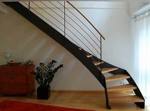 Stahl Holz Treppe : treppe grimmstra e stahlblau ~ Markanthonyermac.com Haus und Dekorationen