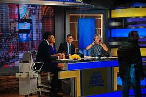 Kelly Betrayed Again! Michael Leaves 'Live' To Co-Host GMA ...