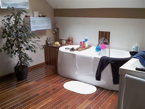 salle de bains pont de bateau