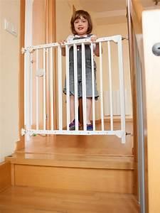 Kinderschutzgitter Für Treppen : alles was treppen sicherer macht ~ Markanthonyermac.com Haus und Dekorationen