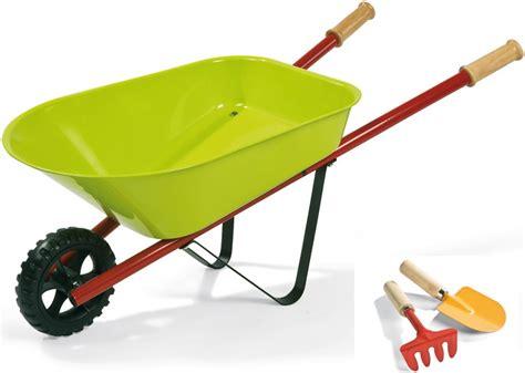 brouette en mtal janod brouette de jardin jouet outils de jardinage enfant
