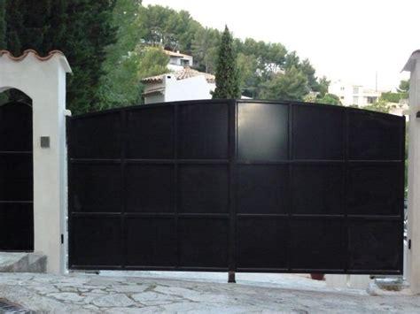 fabrication sur mesure portail en acier dans le var mod 232 le mondain ferronnerie hy 232 res var