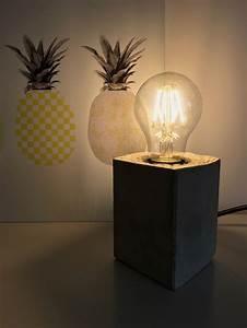 Schlafzimmer Lampe Selber Machen : lampe mit sockel aus beton selber machen hello mime ~ Markanthonyermac.com Haus und Dekorationen