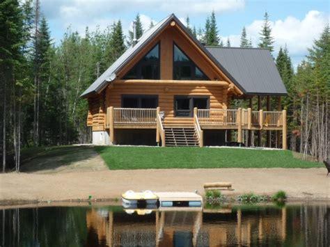 luxueux chalets en rondins bord de lac spa priv 233 10452001 location et vacances
