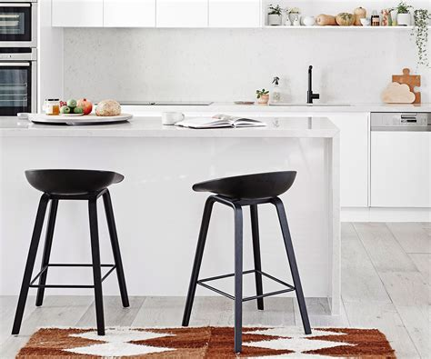 11 Kitchen Bar Stools And How To Choose The Right One Backyard Rink Liner Brick Smoker Themes Batting Cages Baseball Gba Barnyards And Backyards Bird Shop Coupons Willie Nelson
