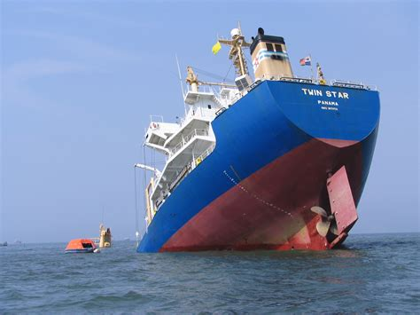Pictures Of Sinking Boats by Shipwrecked Avoiding The Author S Sinking Ship Thoughts