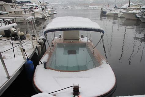 Hot Tub Boat Rental Seattle by You Can Drive A Hot Tub Boat Around Lake Union In Seattle