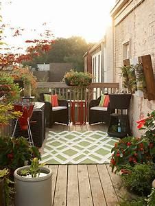 Kleine Terrasse Gestalten : kleine dachterrasse gestalten sch ne atmosh re auf dem balkon ~ Markanthonyermac.com Haus und Dekorationen