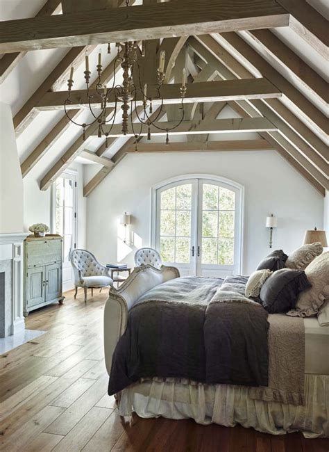 33 Stunning master bedroom retreats with vaulted ceilings