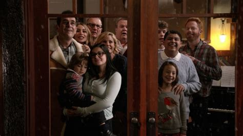 image gallery modern family air dates