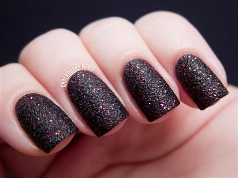 Nail Design : 20 Glitter Nail Designs For The Everyday Glamazon