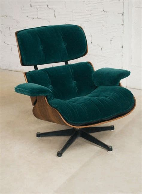 charles eames lounge chair fauteuil charles eames velours vert vitra authentique v 233 ritable