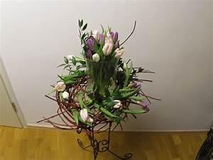 Schale Mit Ständer : fr hlingsdekoration mit tulpen deko ideen mit flora shop flora ~ Markanthonyermac.com Haus und Dekorationen