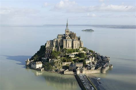 all graphical mont michel