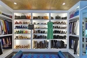 Wie Groß Sollte Ein Begehbarer Kleiderschrank Sein : ankleidezimmer ideen planen sie einen begehbaren kleiderschrank ~ Markanthonyermac.com Haus und Dekorationen