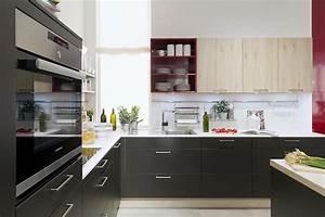 Schwarze Arbeitsplatte Küche : schwarze k che hat klasse k chenkompass ~ Markanthonyermac.com Haus und Dekorationen