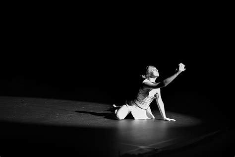 images gratuites noir et blanc danse sc 233 nique obscurit 233 nikon monochrome ballet de