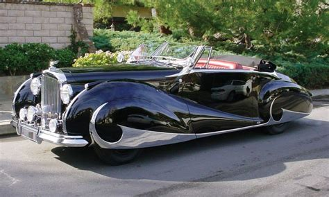 the deco era cars of the 1940 s sure do the deco design of the late 20s 40s