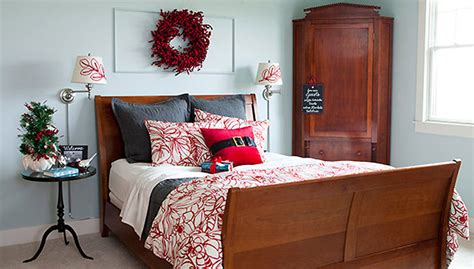 12 Christmas Trimmings For Your Guest Room