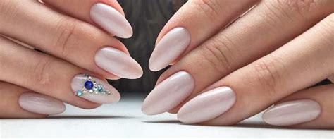 36 Amazing Prom Nails Designs