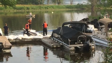 Ottawa Fire Boat by Hazmat Team Called After Boat Fire Triggers Fuel Spill In