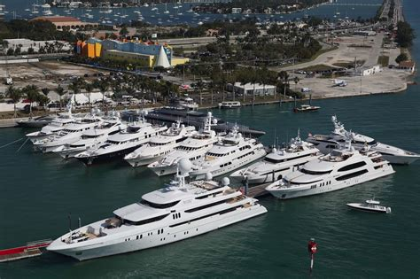 Miami Beach Boat Show 2017 by Buzzy Event Preview Of Yachts Miami Beach 2017 Boat Show