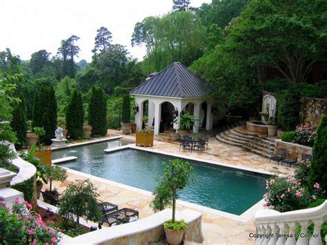 Garden Pool :  Southern Plantations To French Estates
