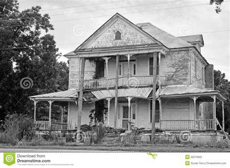 ruines d une maison coloniale am 233 ricaine de chambre photo libre de droits image 32219565