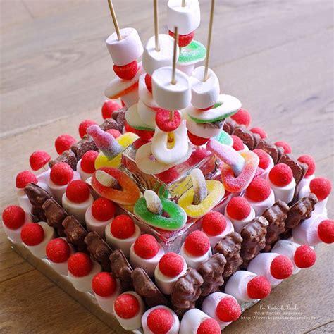 les 25 meilleures id 233 es concernant g 226 teaux de bonbons sur g 226 teaux d anniversaire