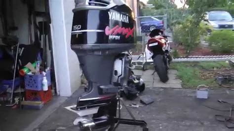 Yamaha Outboard Motor Videos by Unloading 2001 Yamaha 150 Hp Vmax Hpdi Outboard Motor