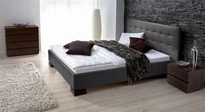 Schlafzimmer Design Grau : wohnzimmer gestalten schwarz wei ~ Markanthonyermac.com Haus und Dekorationen