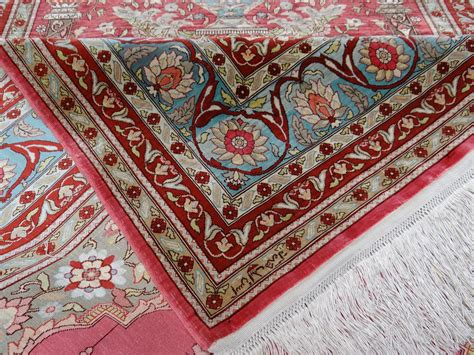 tapis hereke soie fil d or