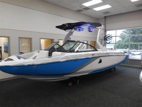 Wake Boat Dealers by New Wake Boat Brands