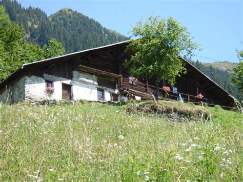 location chalet individuel ancien chalet d alpage ar 234 ches beaufort 15394 chalet montagne