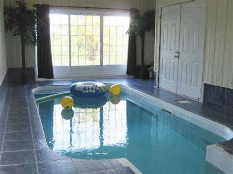 louer une maison avec piscine interieure maison moderne