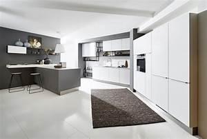 Moderne Küchen Bilder : moderne k chen online kaufen gute preise k chenexperte hannover ~ Markanthonyermac.com Haus und Dekorationen