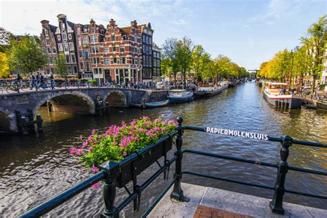 Museum Amsterdam Kostenlos by Bus To Amsterdam From 5 99 Flixbus The New Way To Travel